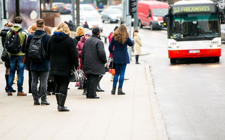 Lietuva skatins viešojo transporto naudojimą