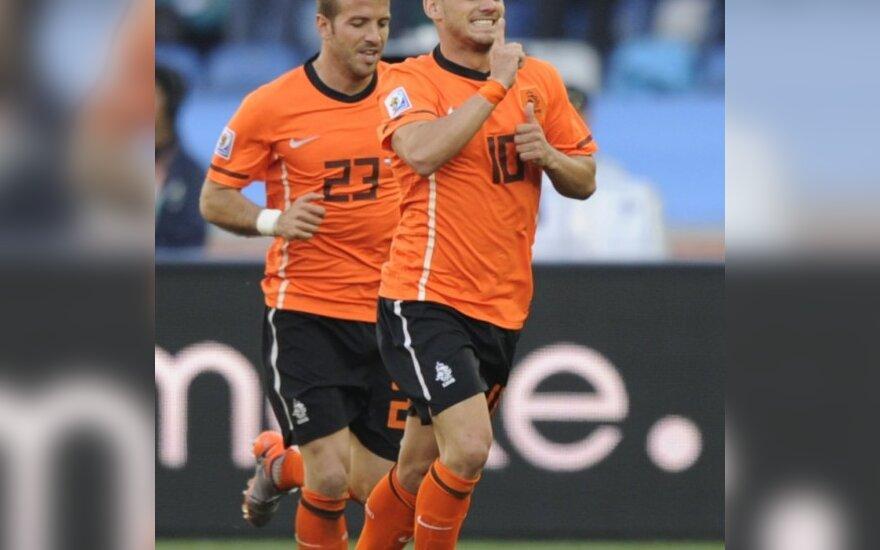 Wesley Sneijderis išvedė Olandiją į priekį