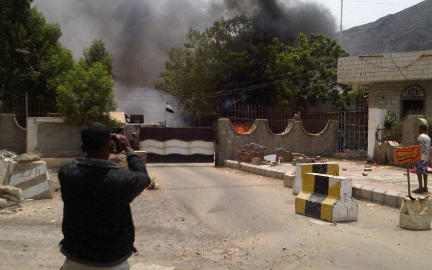 Ataka prieš žvalgybos būstinę pietų Jemene