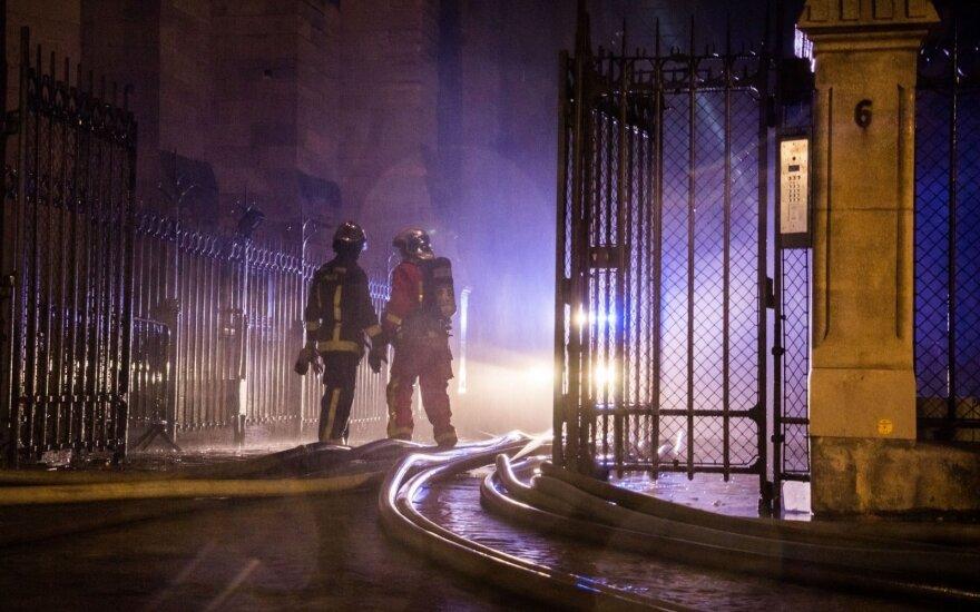 Po tragiško gaisro Paryžiuje – griežtas ekspertų verdiktas