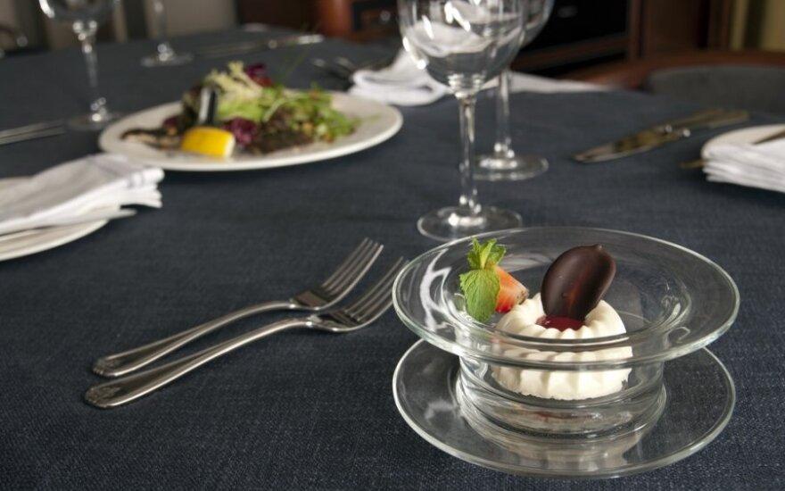 Privaloma žinoti visiems: etiketas restorane ir prie stalo