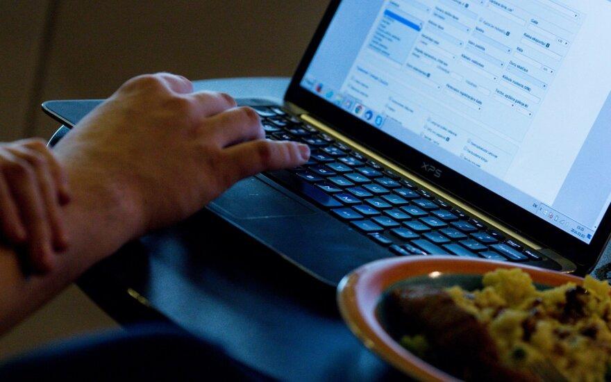 Nauja idėja: siūlo užtikrinti teisę po darbo atsijungti nuo interneto