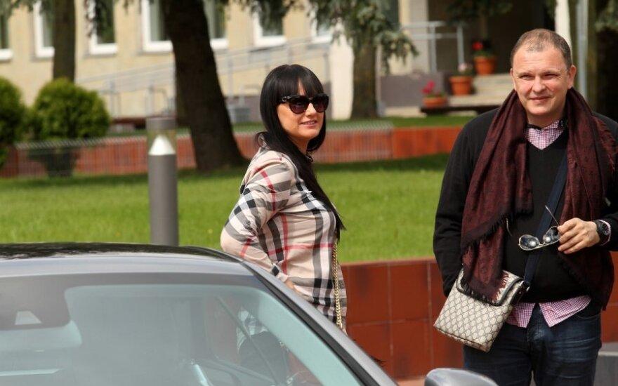 Pora iš sostinės pristatė savo superautomobilius