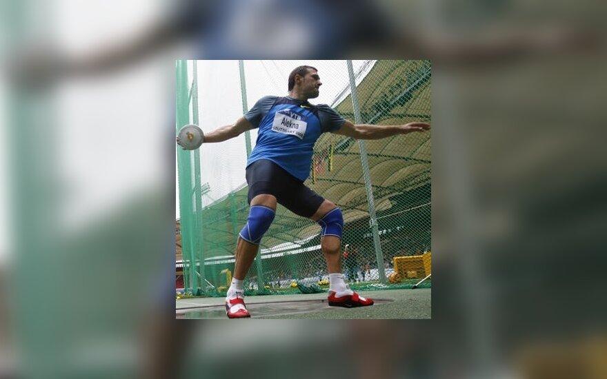 V.Alekna pirmose sezono varžybose diską numetė 67,62 m