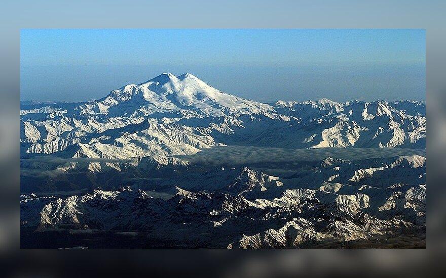 Elbruso kalnas Kaukazo kalnuose