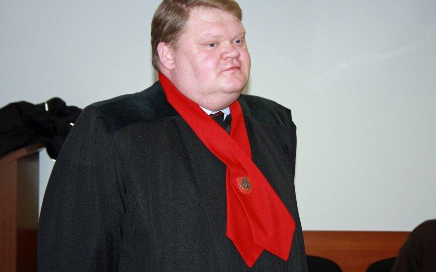 Neblaivus Generalinės prokuratūros prokuroras taranavo šviesoforą