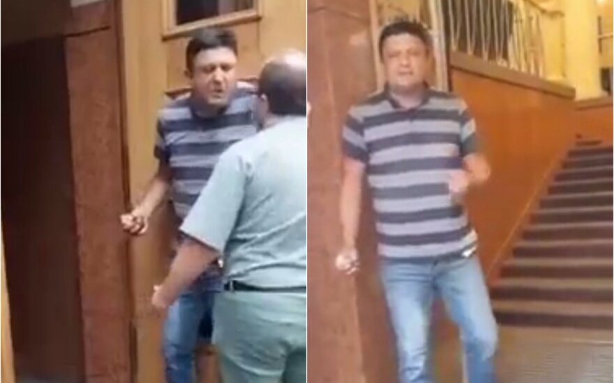 Policija: vyriškis, grasinęs susprogdinti granatą Ukrainos vyriausybės pastate, sulaikytas
