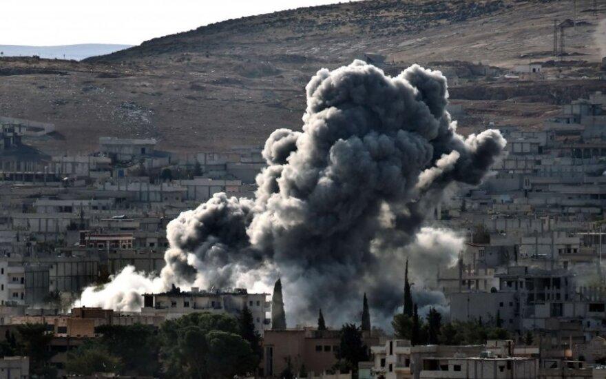 Sirijos karinės oro pajėgos teigia numušusios du islamistų naikintuvus