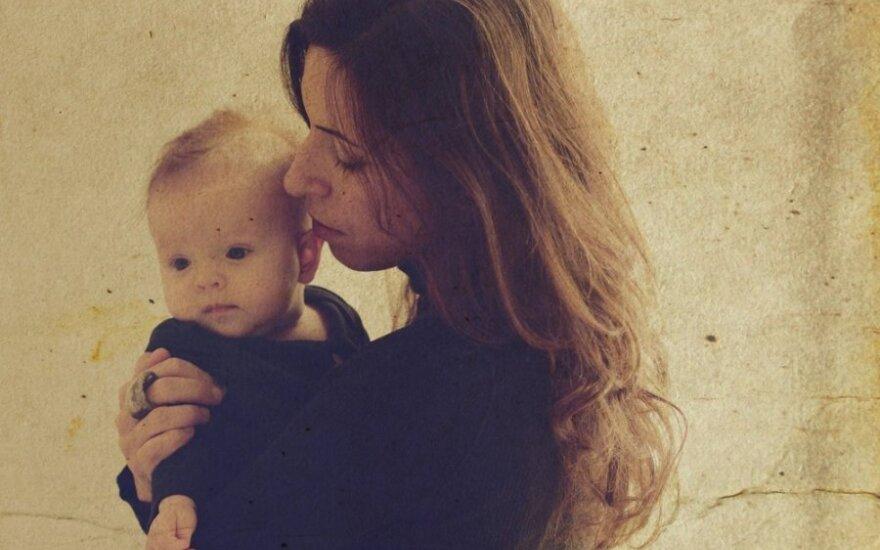 Žmonos atvirumas sukrečia: pamažu pripranti ir prie vienišos mamos vaidmens