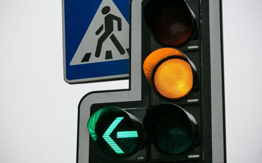 Darbų vykdymo metu galimi šviesoforų reguliavimo programų pakeitimai, keisis žaliųjų transporto koridorių veikimas, gali kisti įprasti šviesoforų reguliavimo režimai