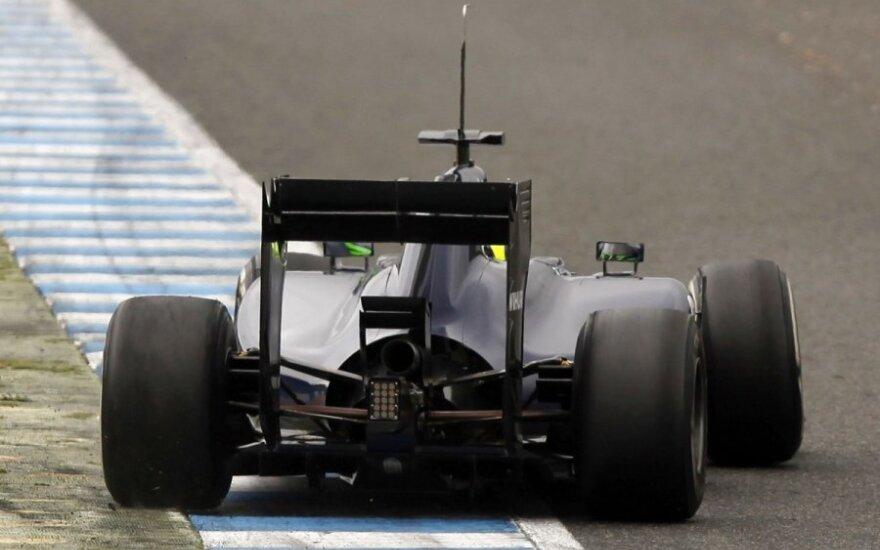 """""""Renault"""" varikliai kol kas nepatikimi"""