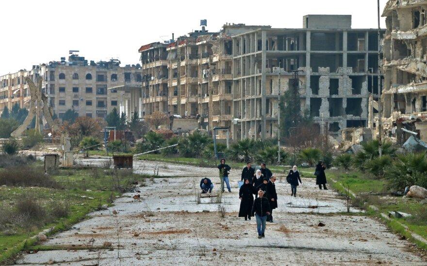 JAV įveda sankcijas dar dešimtims su Sirijos režimu susijusių asmenų