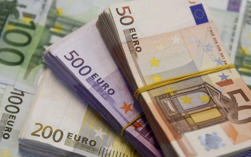 Pernai valstybės skola padidėjo 1,1 mlrd. eurų, arba 7,2 proc.