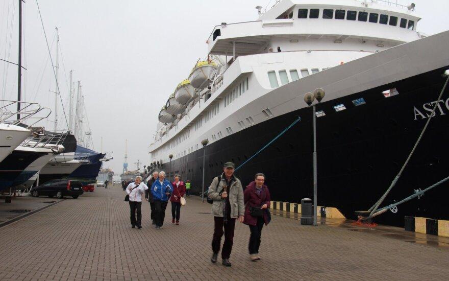 """Į Klaipėdą atplaukė """"Astorija"""" su pirmaisiais turistais"""