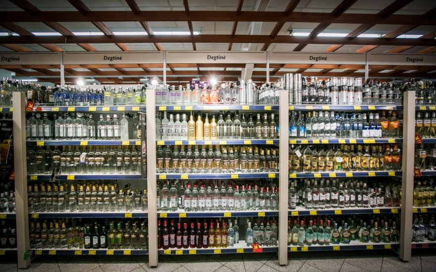 All alcohol sales in Lithuania to require ID