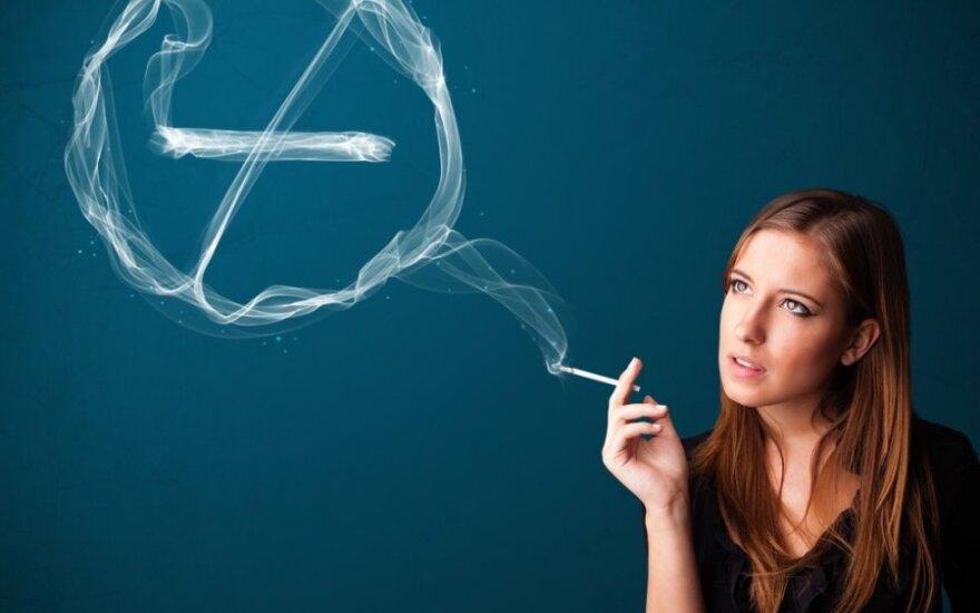 Skandalingas mėtinių ir plonų cigarečių draudimas stringa Europos Parlamente