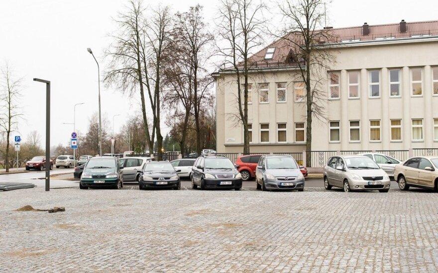 Suremontuotoje gatvėje Panevėžio rajono poliklinika liko įkaite: neturi stovėjimo aikštelės