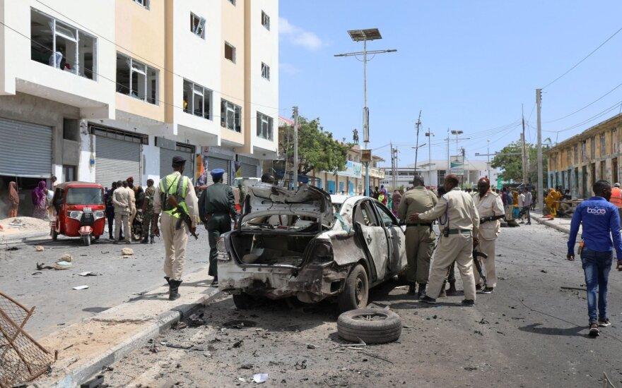 Prie Somalio parlamento nugriaudėjus sprogimui žuvo mažiausiai 4 žmonės