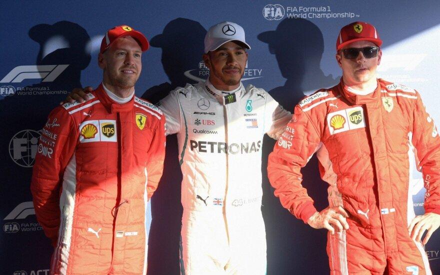 Lewisas Hamiltonas Sebastianas Vettelis Kimmi Raikkonenas