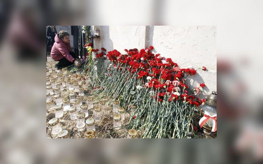 Lenkijos tragedijos atgarsiai Briuselyje: lenkai tikisi, kad tragedija padės pasauliui sužinoti apie Katynę