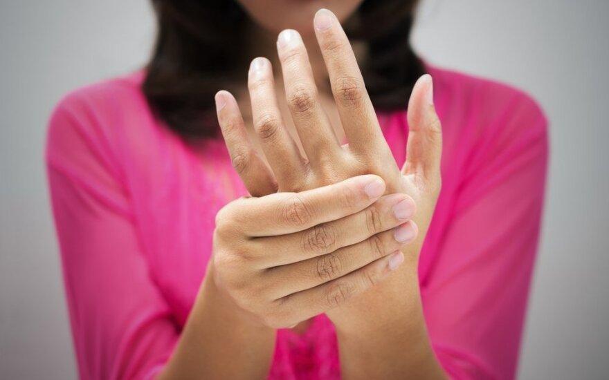 Pažvelkite į savo rankas – jose parašytos jūsų visos ligos