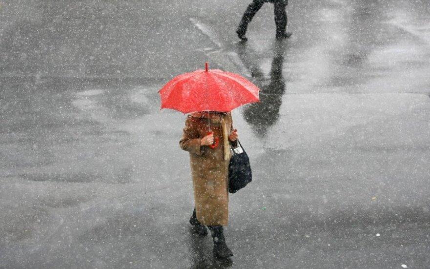 Permainingi orai kenkia ne tik kūnui, bet ir psichikai: kaip nesusirgti