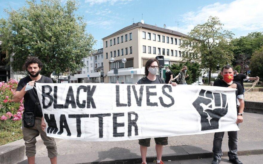 Europos Parlamentas parėmė protestuotojus prieš rasizmą
