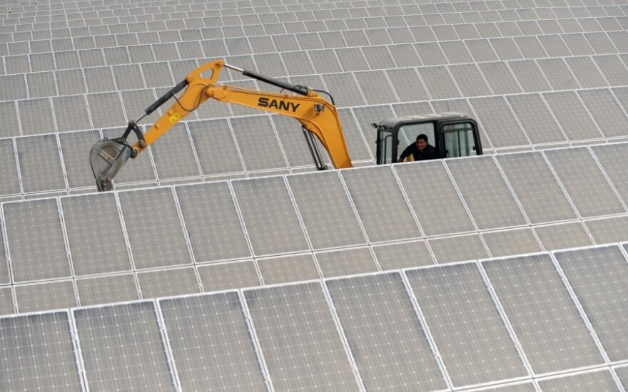 Žada mokėti ir už nestatomas saulės elektrines