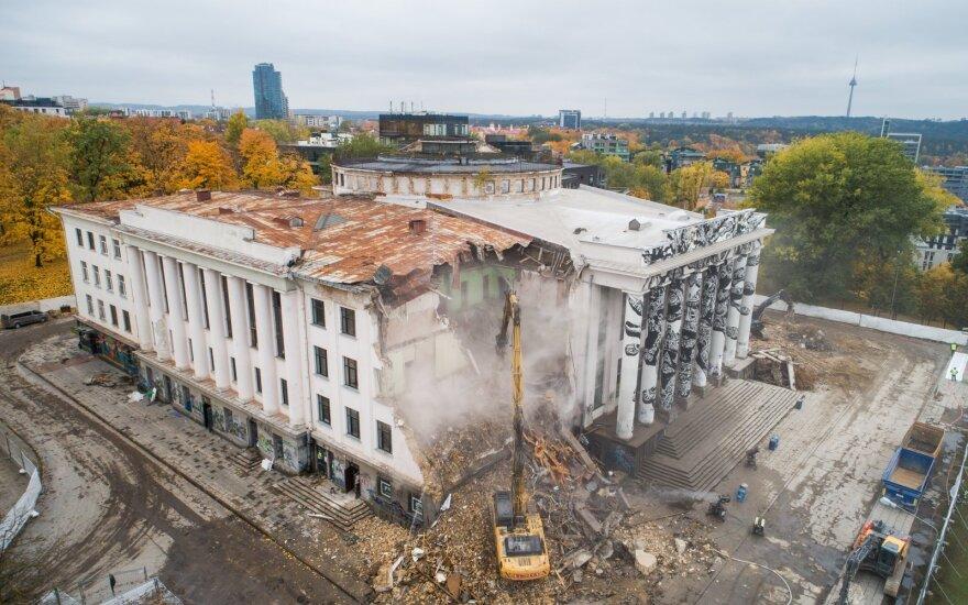 """Teismas: niekas netrukdė bendrovei """"VIPC Vilnius"""" tinkamai rūpintis pastatu ant Tauro kalno"""