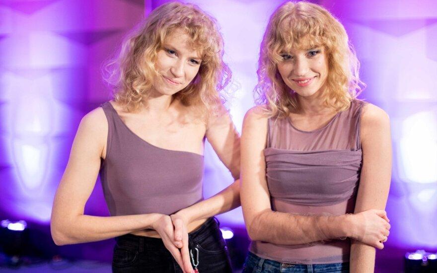 """Viena iš grupės """"Baltos varnos"""" seserų atrodo nebepanaši į kitą: pakeitė plaukų spalvą, o nauja šukuosena - lyg iš Holivudo"""