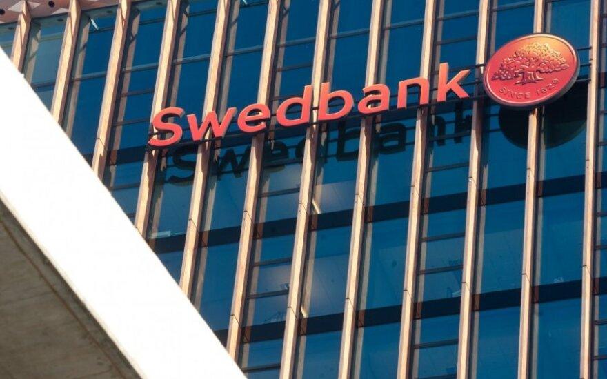 """Buvusios """"Swedbank"""" darbuotojos afera: kaip indėlininkai liko be pinigų"""