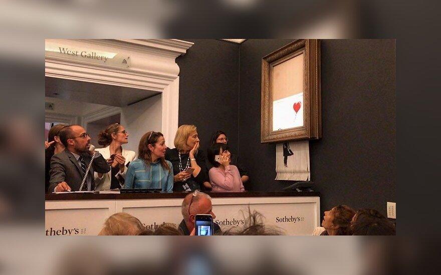 """Dalį Banksy paveikslo supjaustęs smulkintuvas buvo """"deaktyvuotas"""""""