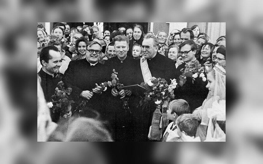 Atidengiamas memorialas sušaudytiems pirmosios Lietuvos Respublikos ministrams