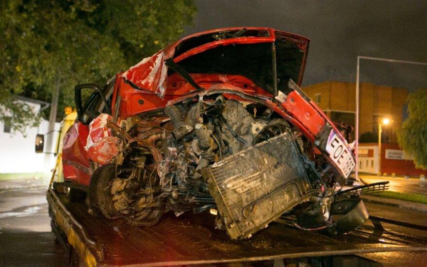 Girtas taip sudaužė automobilį, kad neapsimokėjo jo konfiskuoti