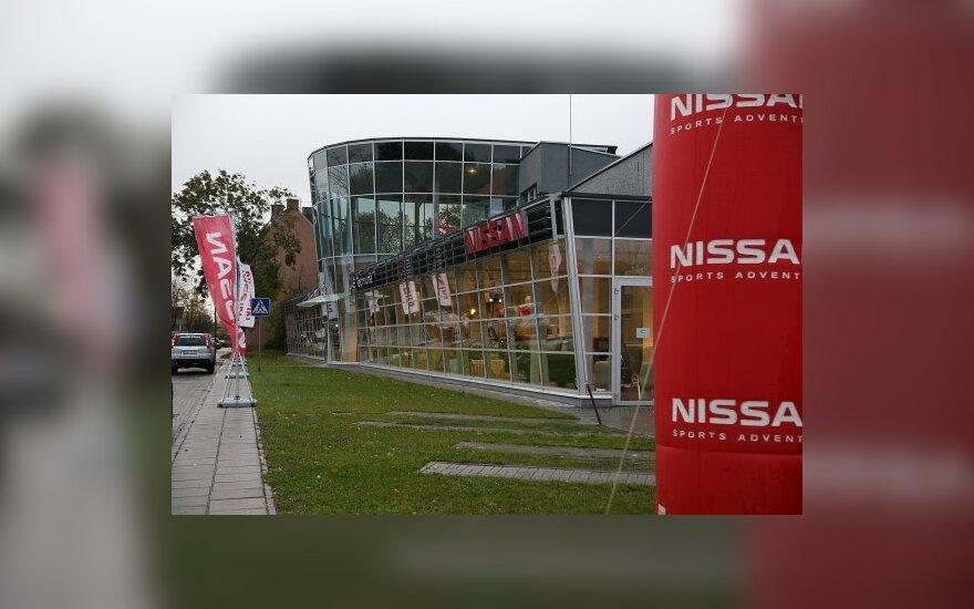 """""""Nissan"""" atstovai atidarė naują saloną Klaipėdoje"""