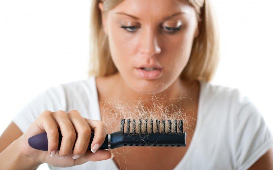 Kaip subalansuoti hormonus, kad nebeslinktų plaukai