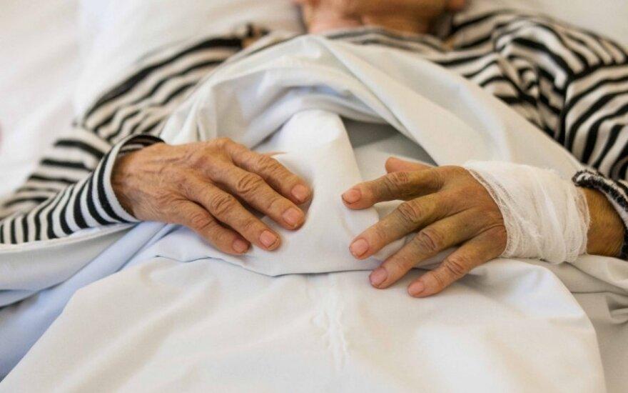 Sukėlė abejonių ligoninės darbas: pacientams žiūrint krepšinį buvo neįmanoma susišnekėti