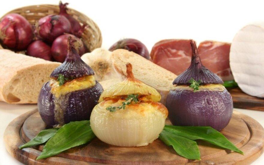 Kepti įdaryti burokėliai ir svogūnai