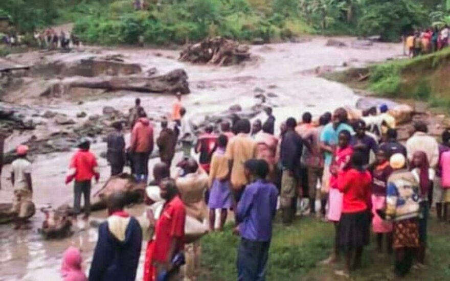 Ugandoje smarkių liūčių sukeltos purvo nuošliaužos pasiglemžė 34 gyvybes