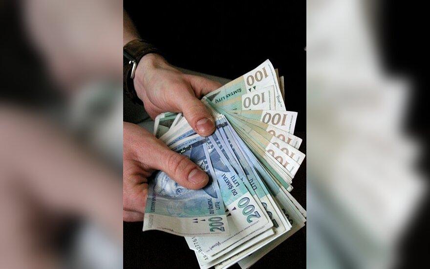 Bankai pripažįsta: oficialios palūkanos – iš piršto laužtos