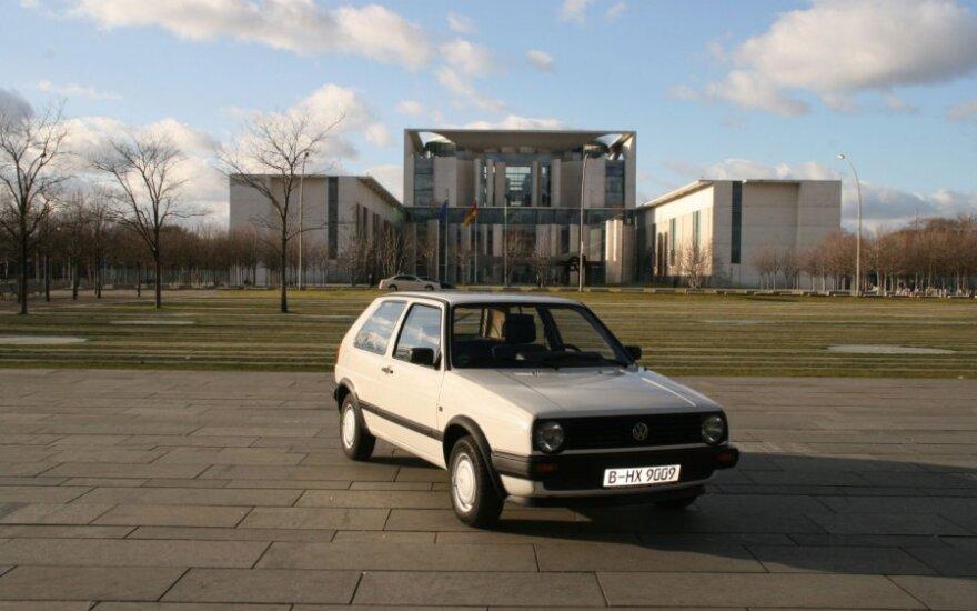 Parduodamas A. Merkel priklausęs Volkswagen Golf