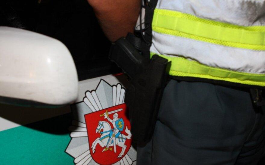 Gaudynės Rokiškio rajone: girtą porelę iš Latvijos pavyko sustabdyti tik paleidus šūvius
