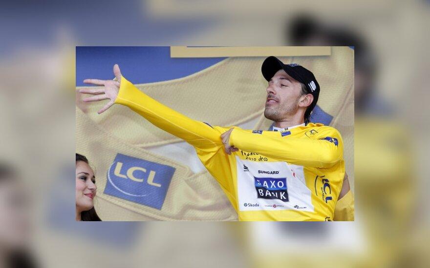 Fabianas Cancellara velkasi geltonus lyderio marškinėlius
