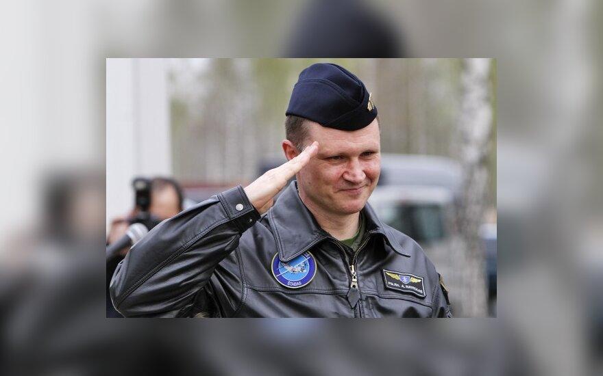 Karinių oro pajėgų Aviacijos bazėje keičiasi vadai