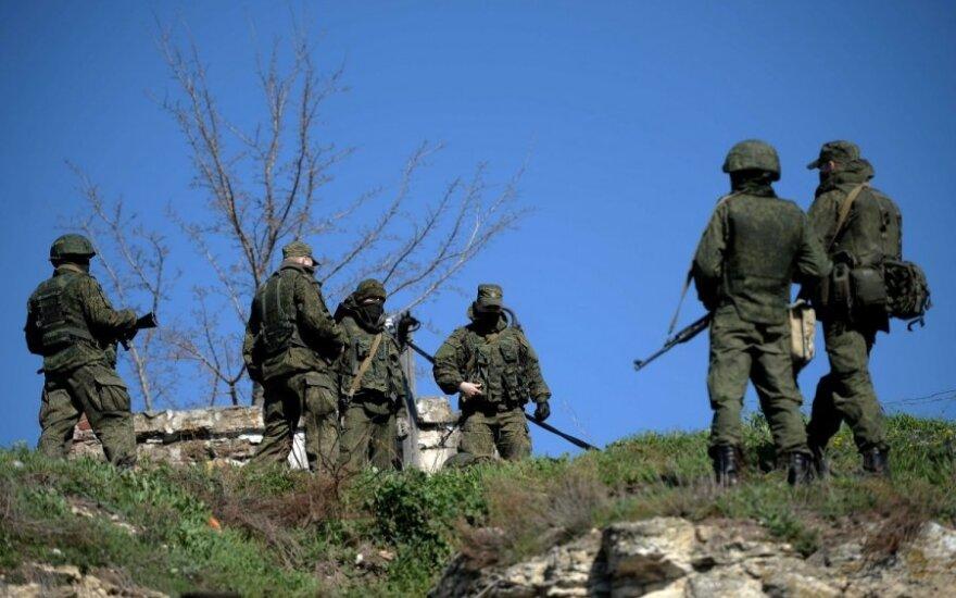 NATO: Ukrainos pasienyje – dešimtys tūkstančių rusų karių