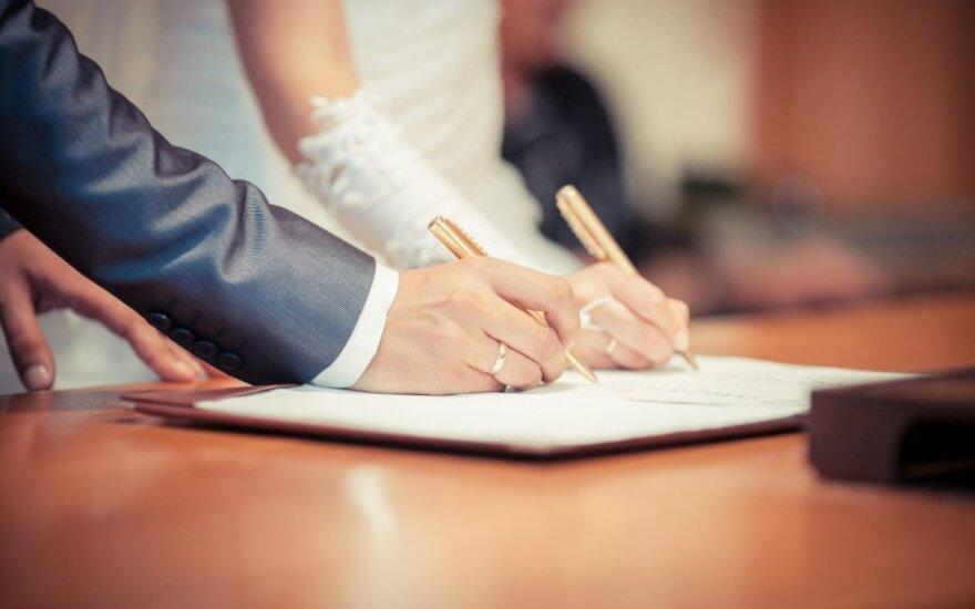 Kodėl žmonės nebenori santuokos
