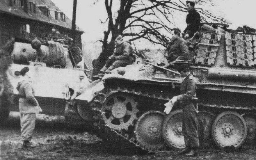 """Divizijos """"Großdeutschland"""" tankai """"Pantera"""" Mėmelyje (Klaipėdoje)"""