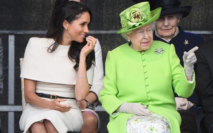 Meghan Markle ir karalienė Elizabeth II