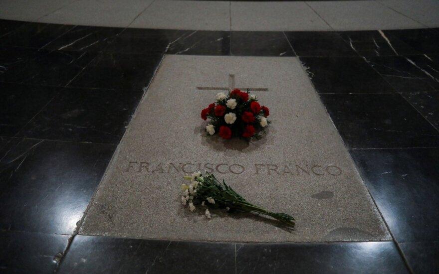 Ispanijos Aukščiausiasis Teismas leido ekshumuoti diktatoriaus Francisco Franco palaikus
