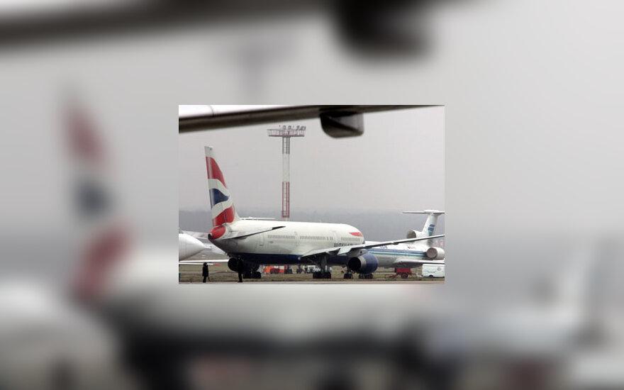 """""""British Airways"""" lėktuvas, oro uostas"""